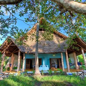 Buitama Beach is a small beach lodge, furnished simply but with great colours.