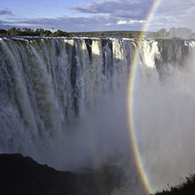 Apart from the attraction of viewing the Falls, there are a number of other things to do here