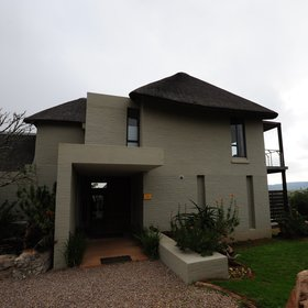 There are six lodges in Shamwari Reserve, for example Sarili Lodge,...