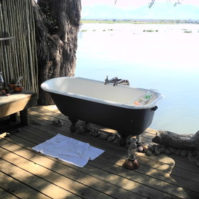 Most rooms in camps in Zimbabwe have well-appointed en-suite facilities.
