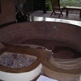 The bath is large enough to act as a plunge pool in the hot summer months!
