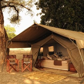 Zambezi Life Styles is a semi-permanent camp set up on the banks of the Zambezi River.