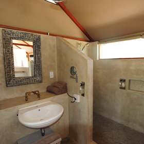 ...en-suite bathrooms with walk-in showers...