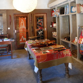 Mfuwe also has a well-stocked curio shop, perfect for gifts and souvenirs to take home.