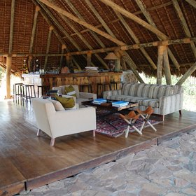 The high thatch keeps the lounge lovely and cool during the day.