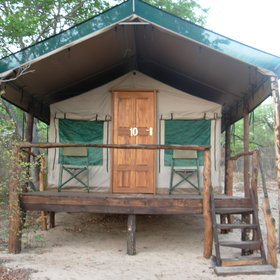 Nhoma Camp is a small tented camp in Bushmanland.