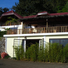 Onsea House is a homely and welcoming lodge, just outside of Arusha.