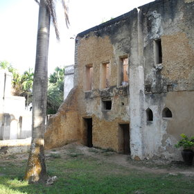 Discover the ruins of Mbweni.