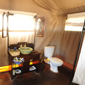 The chalets all have en-suite bathrooms with running hot and cold water and a flushing toilet.