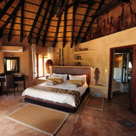 The main house has two luxury en-suite rooms...