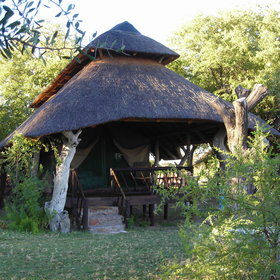 Edos Camp, in the northwest Kalahari, has 4 tents.