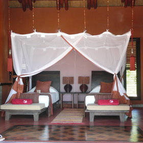 ... with comfortable twin or double beds (well protected from mosquitos).