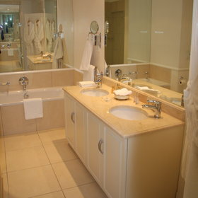 ...as well as en-suite bathroom.