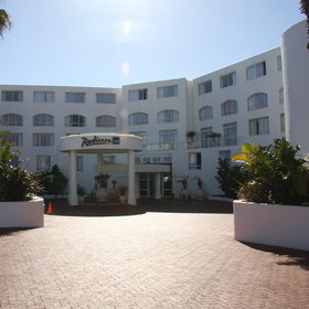 The Radisson Blu Hotel is within walking distance of the V and A Waterfront.