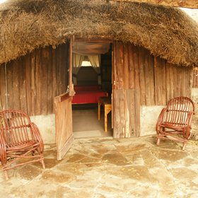 The cottages at Acacia Camp are thatched and quite rustic…