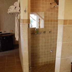 … and a walk-in shower.