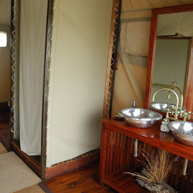 ...en-suite bathroom with shower...