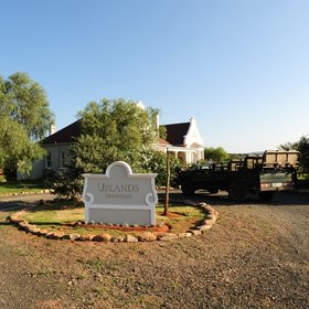 Uplands Homestead is a private safari villa in South Africa's Eastern Cape,...