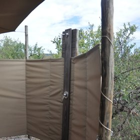 However, you can also shower outside, directly next to your tent.