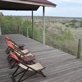…from where to enjoy great views over the acacia trees dotted over the plains.