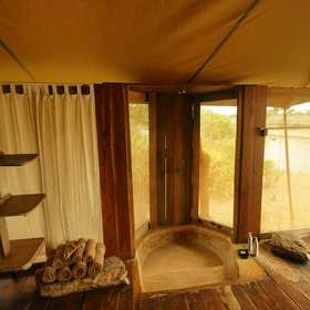 As well as bath tubs, the tents have showers with a view…