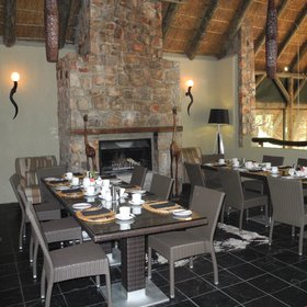 …where you can have meals next to a cosy fireplace.