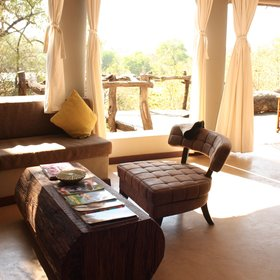 Similarly to the main areas, Mkulumadzi's chalets feel extremely open, airy and light.