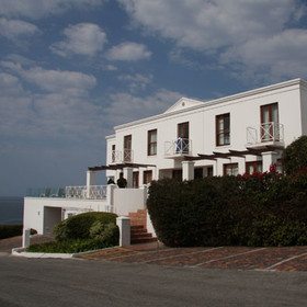 The Plettenberg is situated along the Garden Route directly at the coast.