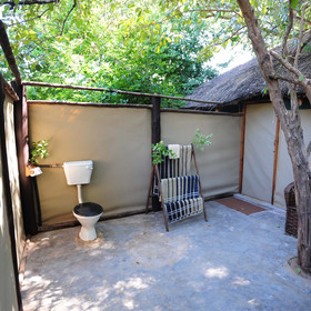The en suite outdoor bathrooms are very spacious…