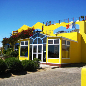 Lagoon Loge is a comfortable and friendly stop in Walvis Bay.