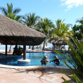 The area is well known for its diving and you find a well-equipped dive centre at each lodge.