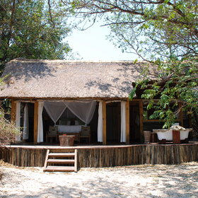 … or at Sindabezi, Tongabezi's private island in the middle of the Zambezi River.