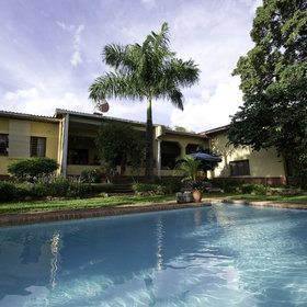 However the green leafy suburbs are calm and tranquil with small guest houses to stay.