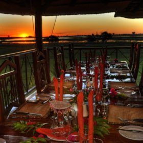 Guest can enjoy their dinner in the atmosphere of an amazing sunset.