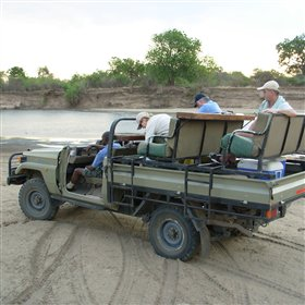 But the main atttraction at Nkwali Camp are the 4WD safaris and guided walks...