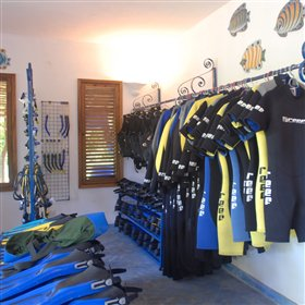 …which is fully equipped with the high-quality gear for snorkelling and diving.