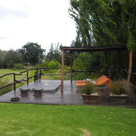 There is also a deck with jacuzzi overlooking the nature reserve...