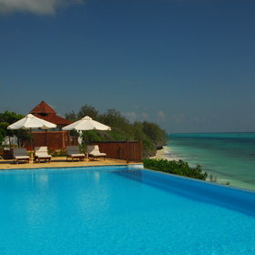 The infinity pool was added in 2011 and has made a huge difference to the lodge.