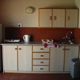…and a kitchenette for self-catering.