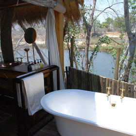… and an en-suite bathroom. The honeymoon suite has a bath-tub…