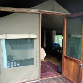 Accommodation is in eight spacious meru style tents with wooden doors.