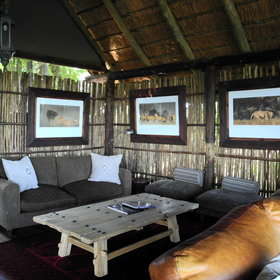 Duba Plains has also a comfortable lounge area.