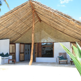 Here, accommodation is in stone bandas with palm-thatched roofs...