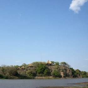 Chilo Gorge is set on a cliff over looking the Save River as it flows towards Mozambique