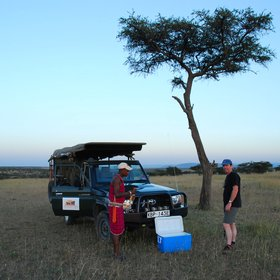 …and usually incorporates a sundowner into the late game drive, with an after-dark return to camp.