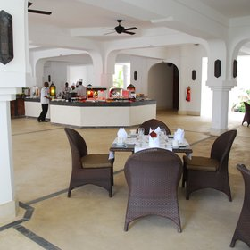 The main dining room is where breakfast is served…