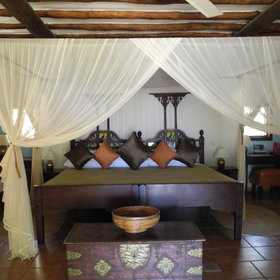 Inside they are decorated with a mixture of European and Swahili styles.
