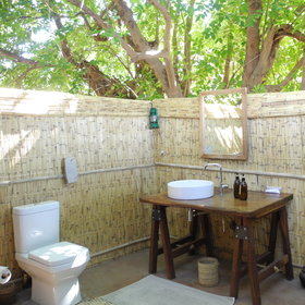 ... and open air shower, basin and toilet...