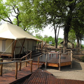 There are four tented rooms and a central main area which serves as the dining room, bar and lounge.