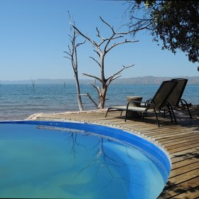 …which overlooks the beautiful Lake Kariba.